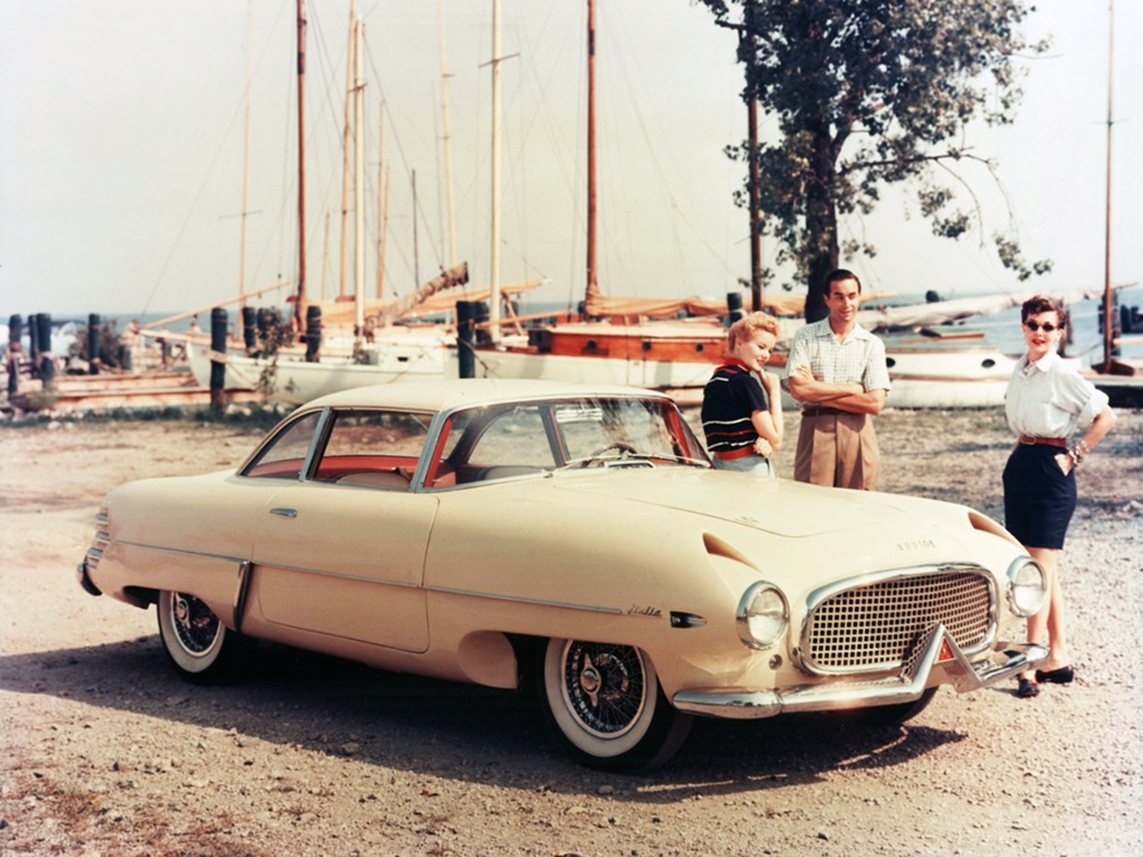 http://carpedia.altervista.org/albums/Hudson/_1954__Hudson_Italia.jpg